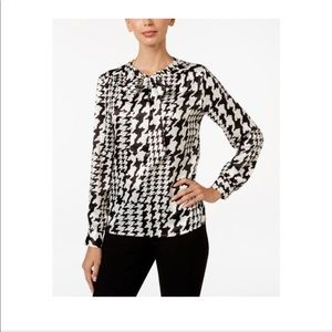 NWT Kasper Charmeuse Houndstooth Tie Blouse